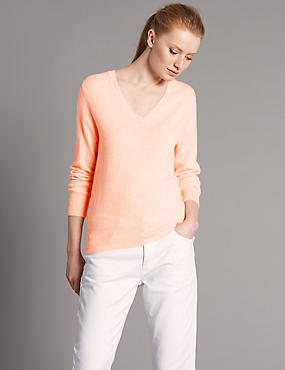 Pure Cashmere V-Neck Jumper, BLUSH, catlanding
