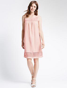 Mouwloze, rechte jurk met kanten afwerking, PINK, catlanding