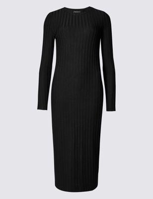 Слегка приталенное платье-миди с добавлением стретчевого волокна