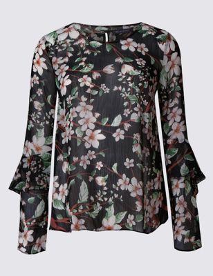 Приталенная блузка с цветами