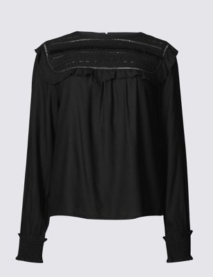 Свободная блузка из вискозы с вышивкой и оборками