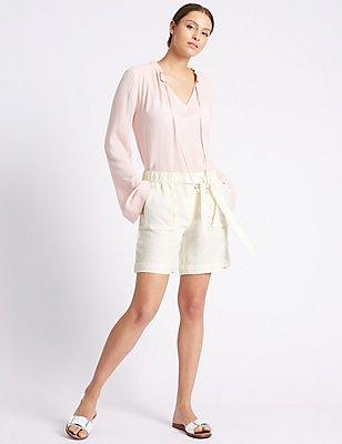 Korte broek van zuiver linnen met striksluiting op de taille, CRÈME, catlanding