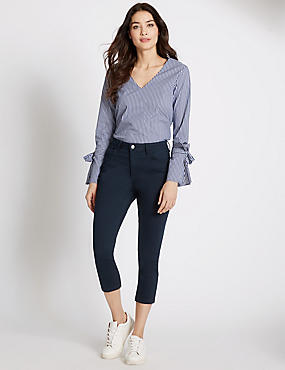 Kortere jeans met middelhoge taille en smalle pijpen, INDIGO, catlanding