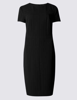 Прямое слегка приталенное платье с геометрическими вставками от Marks & Spencer