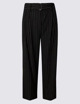 Укороченные брюки с защипами в тонкую полоску