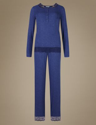 Пижамный комплект из вискозы с кружевной отделкой и пуговицами M&S Collection T371658J
