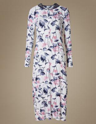 Длинная ночная рубашка с цветами и отделкой кружевом от Marks & Spencer