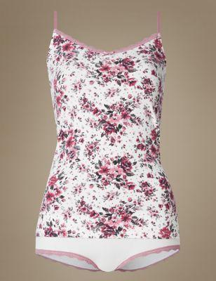 Комплект Blossom: майка на тонких бретельках с принтом и трусики с кружевной отделкой от Marks & Spencer