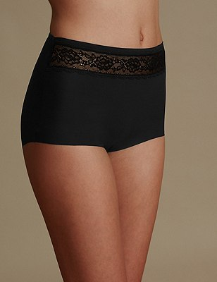 Smoothlines™ No VPL Lace High Rise Full Briefs, BLACK, catlanding
