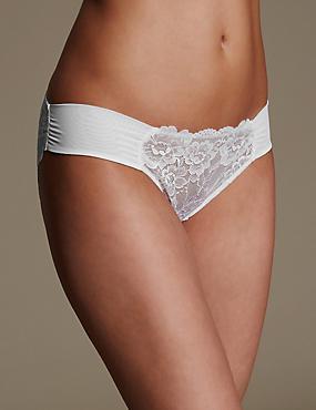 Rio Sweetheart All Over Lace Low Rise Bikini Knickers, WHITE, catlanding