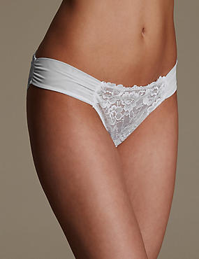 Rio Sweetheart All Over Lace Brazilian Knickers, WHITE, catlanding