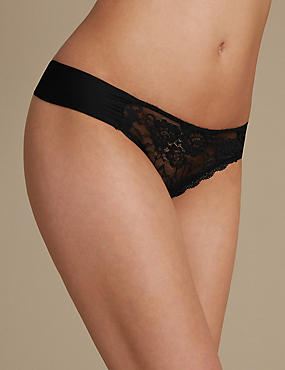 Rio Sweetheart All Over Lace Thong, BLACK, catlanding