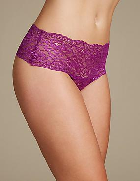 No VPL Floral Lace Thong, BRIGHT MAGENTA, catlanding