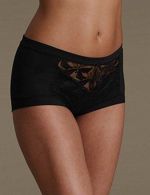Hibiscus Lace High Rise Shorts, BLACK, catlanding