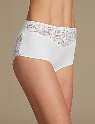 Ornate Lace High Rise Shorts, WHITE, catlanding