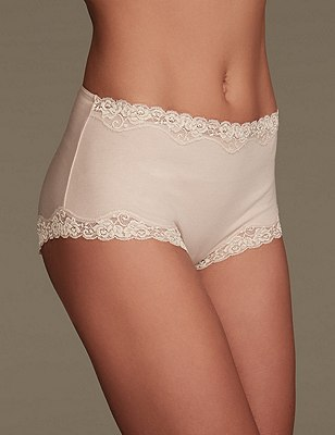 Comfort Lace High Rise Shorts, ALMOND, catlanding