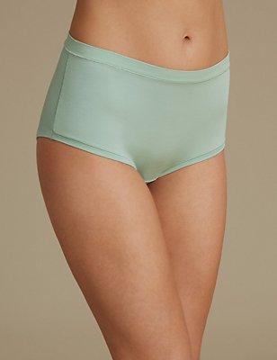 Modal Rich Flexifit High Rise Shorts, SPEARMINT, catlanding