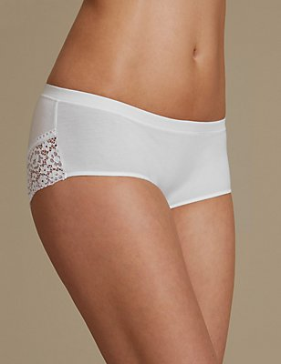 Cotton Rich Vintage Lace Low Rise Shorts, WHITE, catlanding