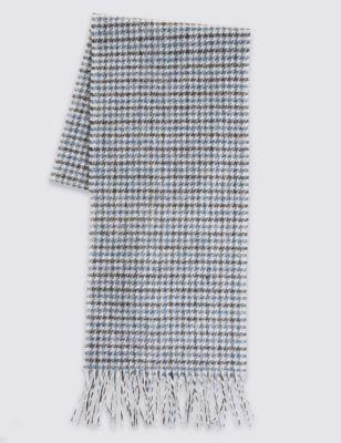 Шарф из овечьей шерсти в двухцветную гусиную лапку от Marks & Spencer