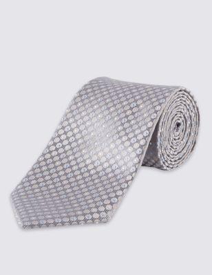 Текстурный галстук в микрогорошек