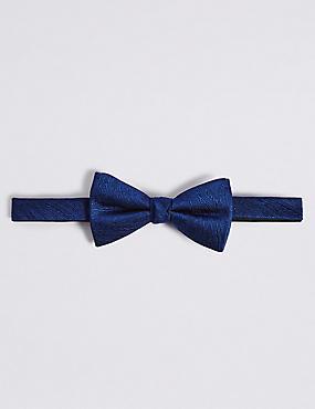 Pure Silk Textured Bow Tie, NAVY, catlanding