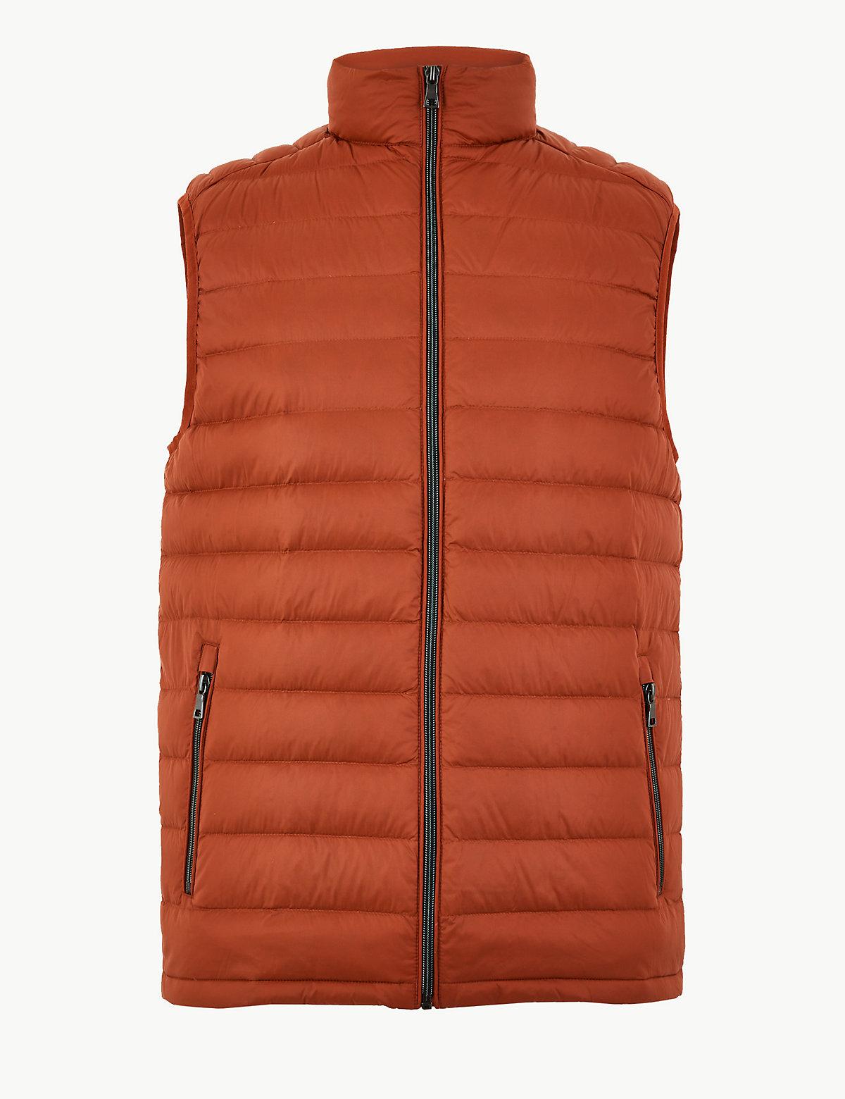 Мужской жилет с технологией Stormwear™ M&S Collection. Цвет: осенний лист