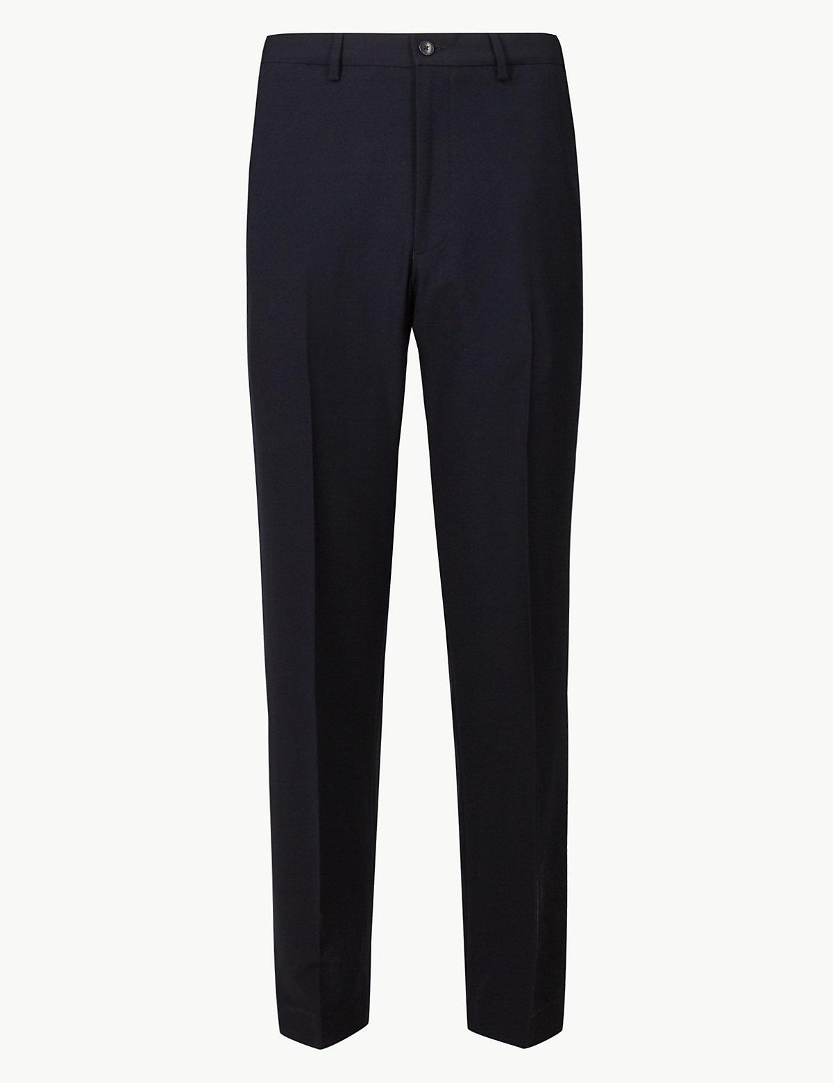 Классические мужские брюки без защипов стандартного кроя M&S Collection. Цвет: темно-синий