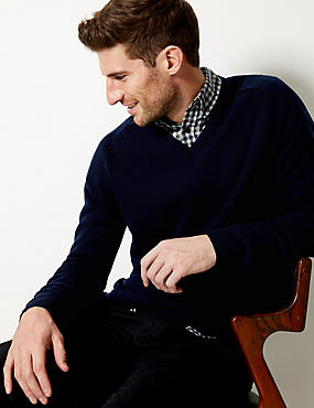 Pure Lambswool V-Neck  Jumper, NAVY, catlanding