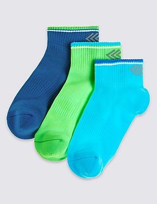 3 Pairs of Freshfeet™ Ankle Socks (3-16 Years), NEON BLUE, catlanding