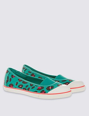 Kids' Printed Pump Trainers, GREEN MIX, catlanding