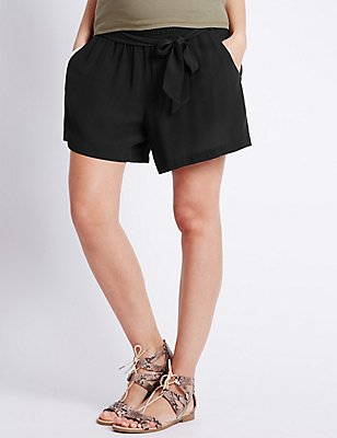 Maternity Belted Shorts, BLACK, catlanding