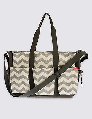 Duo Double Change Chevron Bag, , catlanding