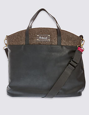 Grace Changing Bag, , catlanding