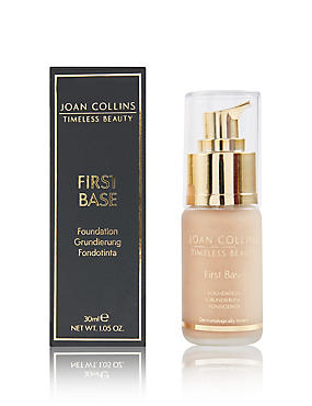 First Base Foundation 30ml, LIGHT, catlanding