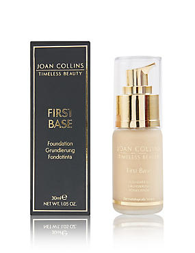First Base Foundation 30ml, MEDIUM, catlanding