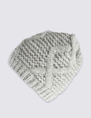Шапка Beanie с плетением косичкой