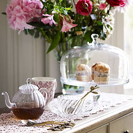 Scones on cakestand and tea
