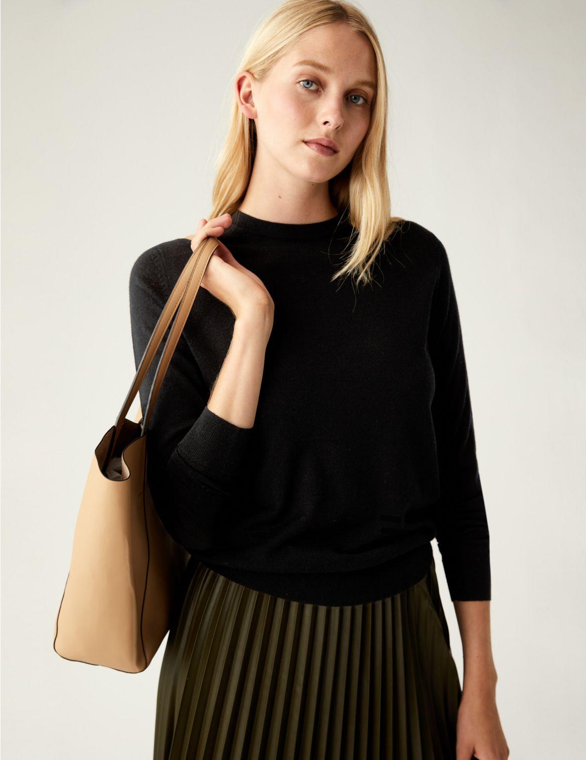 Pure Merino Wool Round Neck Jumper black