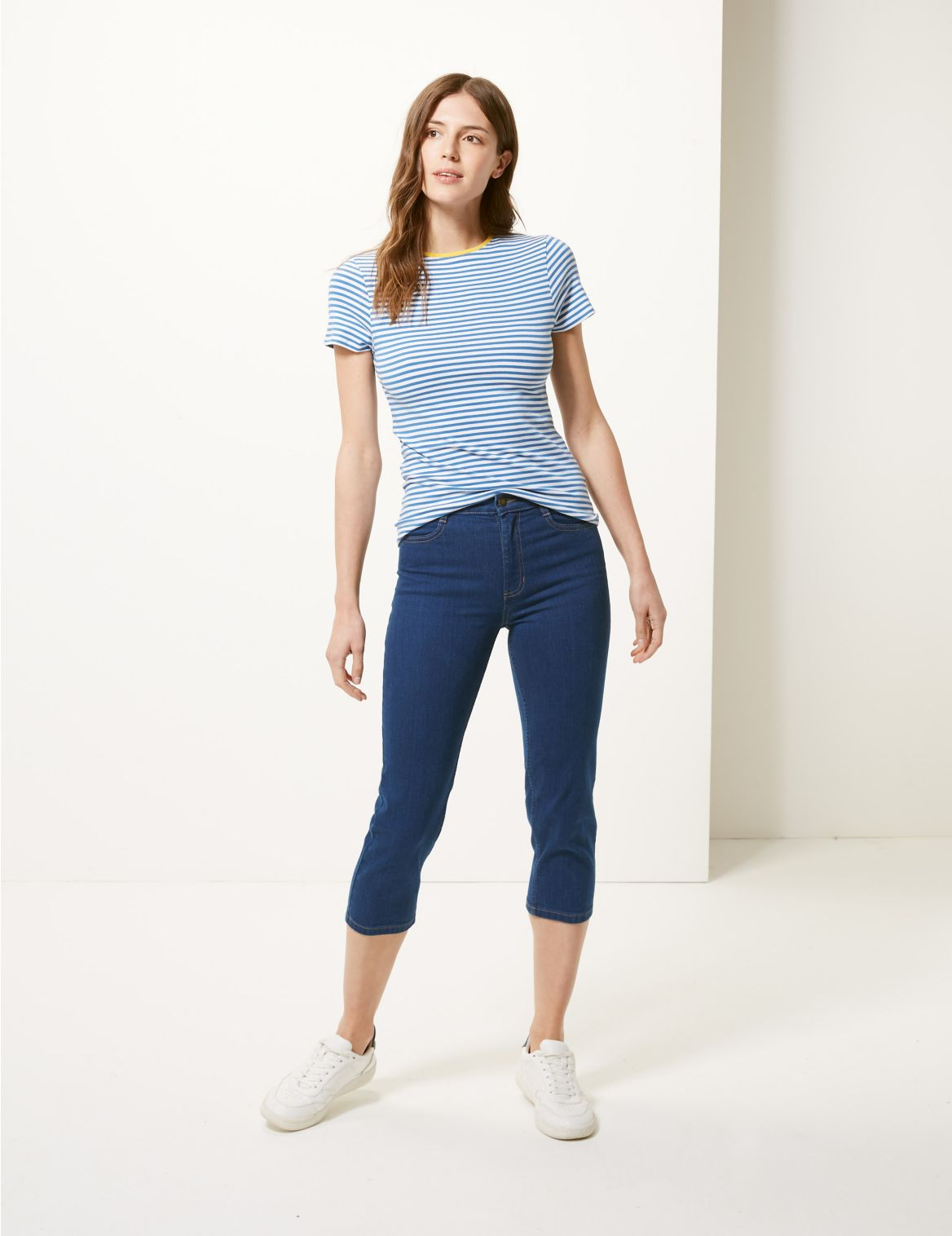 Mid Rise Straight Leg Cropped Jeans medium indigo