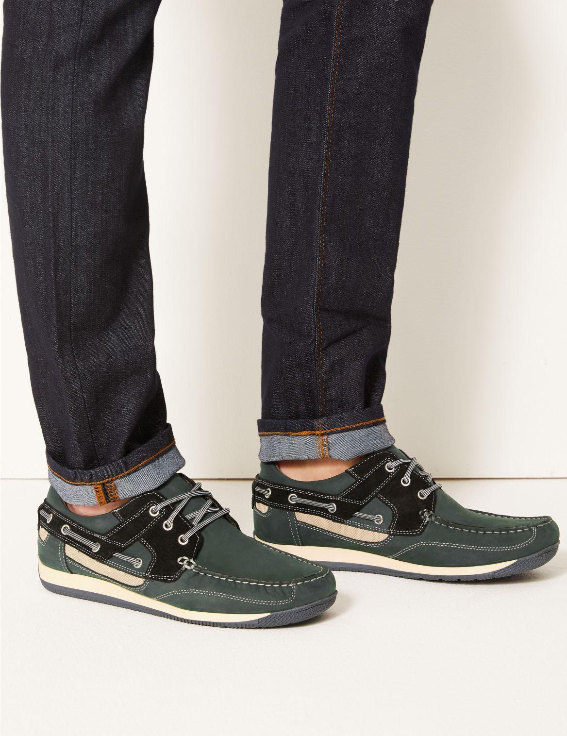 Chaussures bateau en cuir Ă lacets