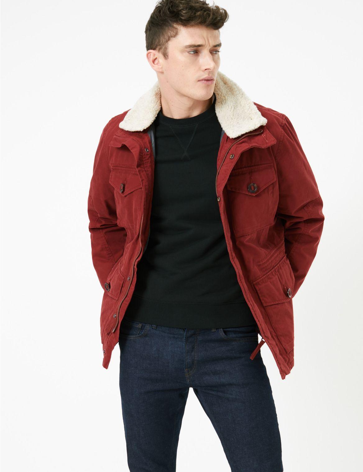 Veste en coton avec doublure imitation peau de mouton. Veste en coton avec doublure imitation peau de mouton