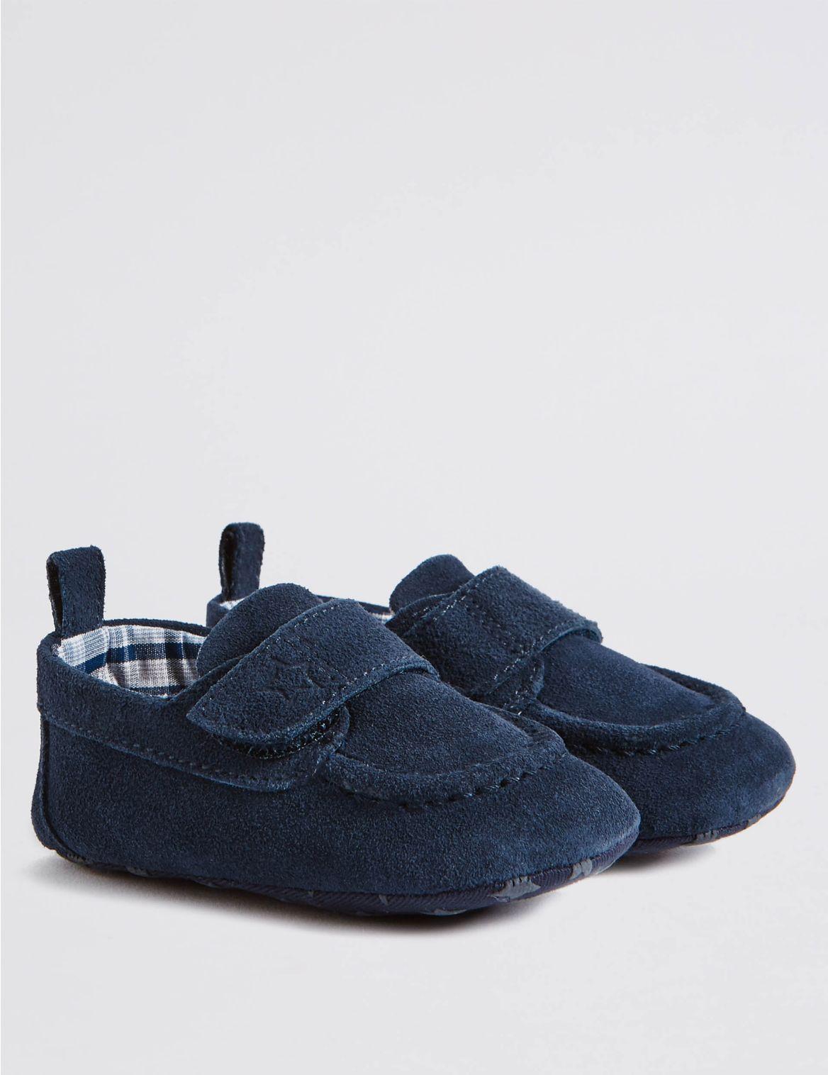 Chaussures b??b?? en daim. StyleForme du produit:Chaussures b??b??s;Fermeture par bande auto-agrippante