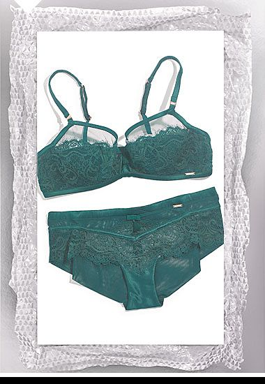 Green womens bra and knickers