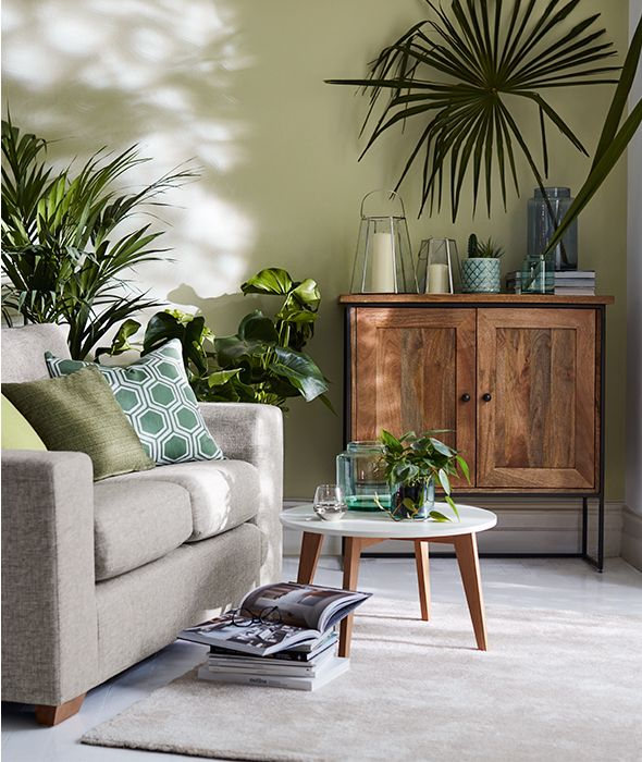 Escape Gray Living Room: Ideas With Indoor Plants And Faux Foliage