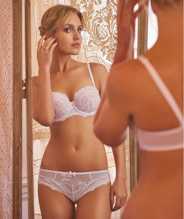 Erotic Pictures Of Women Looking In Mirrors 14