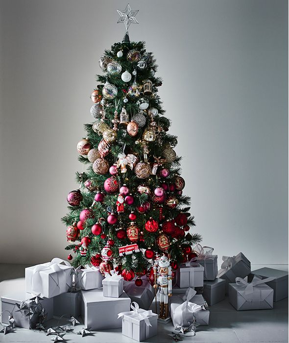 Christmas Tree With Silver Decorations: Christmas Tree Decorating Ideas With A Twist