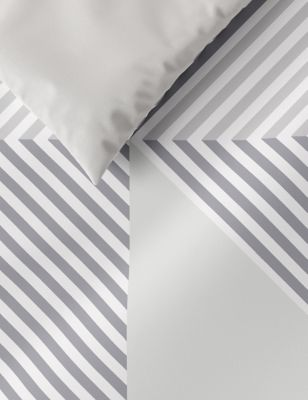 Cotton Mix Geometric Bedding Set with Fitted Sheet