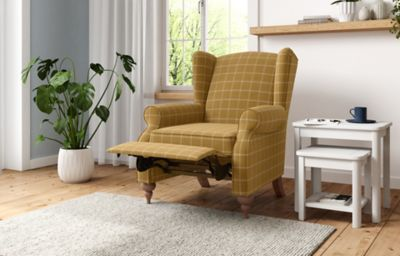 Highland Plain Riser Armchair