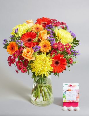 Mum's Bright Bouquet (Available for delivery from 26th March 2019)
