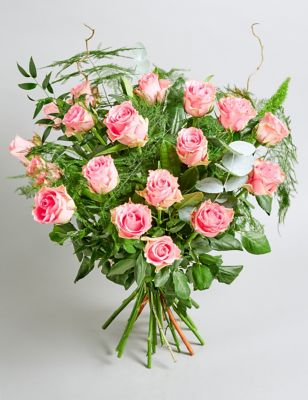 The Collection Mama Mia Rose Bouquet (Available for delivery from 26th March 2019)